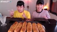 【大胃王吃播】韩国小哥满满的奶酪烤肉面包!