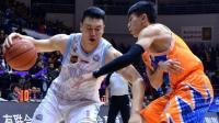 李根正式加盟上海男篮 三届总冠军得主重回起点