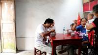 这才是农村人的早餐,一家人围着吃,一人一大碗,真过瘾