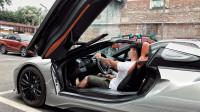 VLOG011 和宝马i8 Roadster敞篷跑车一起探寻装置艺术