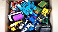 装满韩国变形金刚Tobot托宝兄弟玩具车机器人变形玩具的盒子