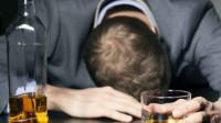 晨起的3个习惯,比喝酒更让肝受伤,很多男人的通病,最好改掉