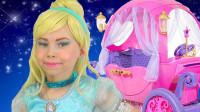 国外小女孩仿妆:美妆打扮成的灰姑娘你觉得可爱吗?