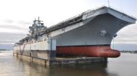 中国4万吨准航母即将下水,不再隐藏作战参数,搭载30架国产新机