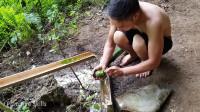 水稻哥 原始技能 第十六集 原生态水壶制作