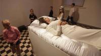乌克兰现实版的睡美人,面对睡着的美女,只要你吻醒她就能娶回家