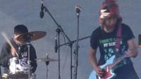 南城的猫乐队演绎摇滚乐,带动全场气氛,点燃