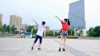 广场鬼步舞16步《心在跳》 娘俩背面跳也好看哦!