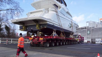 大型豪华游艇原来是这样运输的真是长见识了