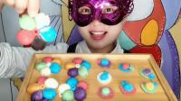 """妹子吃""""五瓣花和草帽巧克力"""",创意甜点,色彩鲜艳好看又好吃"""
