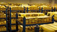 """中国巨款黄金被美国""""扣下"""",等价于百艘航母,要是不还了怎么办"""
