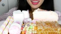小姐姐吃网红甜品:蜂巢蜜配爆爆珠,奶油大福更是香甜,你爱哪种