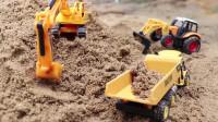 少儿益智 迷你挖掘机玩具和翻斗车玩具一起玩沙子