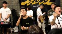 西安网红南门演绎超火歌曲《男孩》开口就沦陷了!超好听!