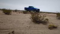 猛禽是长途穿越首选吗?囚徒已经开着猛禽穿越了塔克拉玛干沙漠