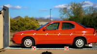 一辆汽车以时速160公里的速度行驶,撞到一堵墙会是什么下场?