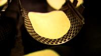 实拍薯片成产过程,看完才知道薯片的形状跟土豆没有任何关系!
