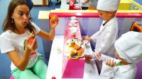 萌娃小可爱们在儿童乐园里体验当糕点师,萌娃:您要的巧克力蛋糕做好啦!