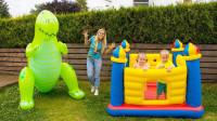 超好玩!妈妈怎么给萌宝小萝莉做大恐龙?可是他们为何躲起来了?儿童亲子游戏玩具故事