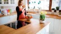 女人怀孕时,孕妈记住多吃三种东西,对孕妈和宝宝都有好处