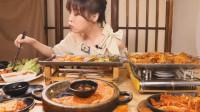 超火美女吃播:美味的正宗韩式料理,穿越回mini家乡的好味道