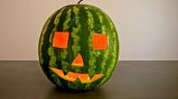 吃完的西瓜也能做成艺术品哦。
