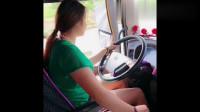 行车记录仪:大货车女司机被交警拦下检查,看女司机怎么应对!