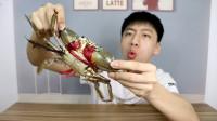 """小伙试吃螃蟹中的健身大王""""青蟹""""这钳子长得都是肌肉吧!"""