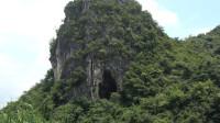 小莫独自一人山洞探险,发现神秘洞穴,钻进去一看又惊又喜