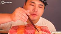 韩国大胃王胖哥,试吃顶级生鱼片,蘸着酱油吃真过瘾