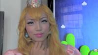 当女子将自己美妆打扮成桃子公主,你觉得有几分相似?