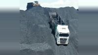 上坡容易下坡难,这一辆煤堆上下来的大货车,一般人不敢往下开!