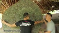 佤族镇寨之鼓,将近一米七的直径,这么大的鼓没点力气打不动!