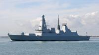造价80亿人民币的战舰,全困在码头发呆:原因竟是天气太热