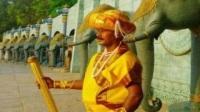 印度的真人保安,因一动不动三十二年,被称站神!