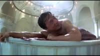 特务迷城:本想舒舒服服洗个澡,没想到被一群人给打扰了,大哥很生气