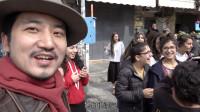 中国小伙逛以色列菜市场,被热情邀请试吃,当地女孩献飞吻