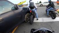 卡车司机和哈雷摩托车手的较量,谁会赢?