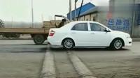 行车记录仪:这个减速带太坑人,过路司机无一幸免