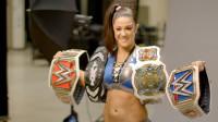 当初因为换了新环境而焦虑不安的贝莉 现在已是SmackDown女子冠军