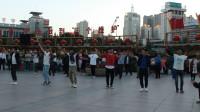 西宁市中心广场.锅庄舞(96)歌曲:嘉洛锅庄