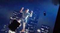 三分钟看《超能失控》,小伙意外获得超能力,一只手捏废汽车