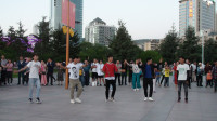 西宁市中心广场.锅庄舞(98)歌曲: 康定溜溜城