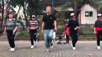 广场鬼步舞《心在跳》,简单只有7拍,送给刚学舞蹈的朋友!