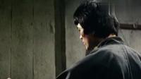 洪金宝与洋人打擂台失利,李小龙在台后等待这个洋人,做了什么?