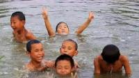 八个孩子下水,只有一人生还,抽干水后众人傻眼了!