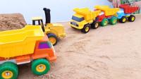 儿童趣味玩具:铲车、工程车挖掘沙子建造沙堆,运输车运载房子和积木建造农场!