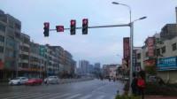 """车子等红灯""""嗡嗡""""响,这3个原因造成的,看完涨知识了"""