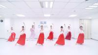 古典舞《琵琶行》,1男生混在7女生里面跳舞,得承受多大压力啊?