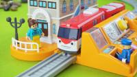 TITIPO小火车控制台和拼装轨道玩具